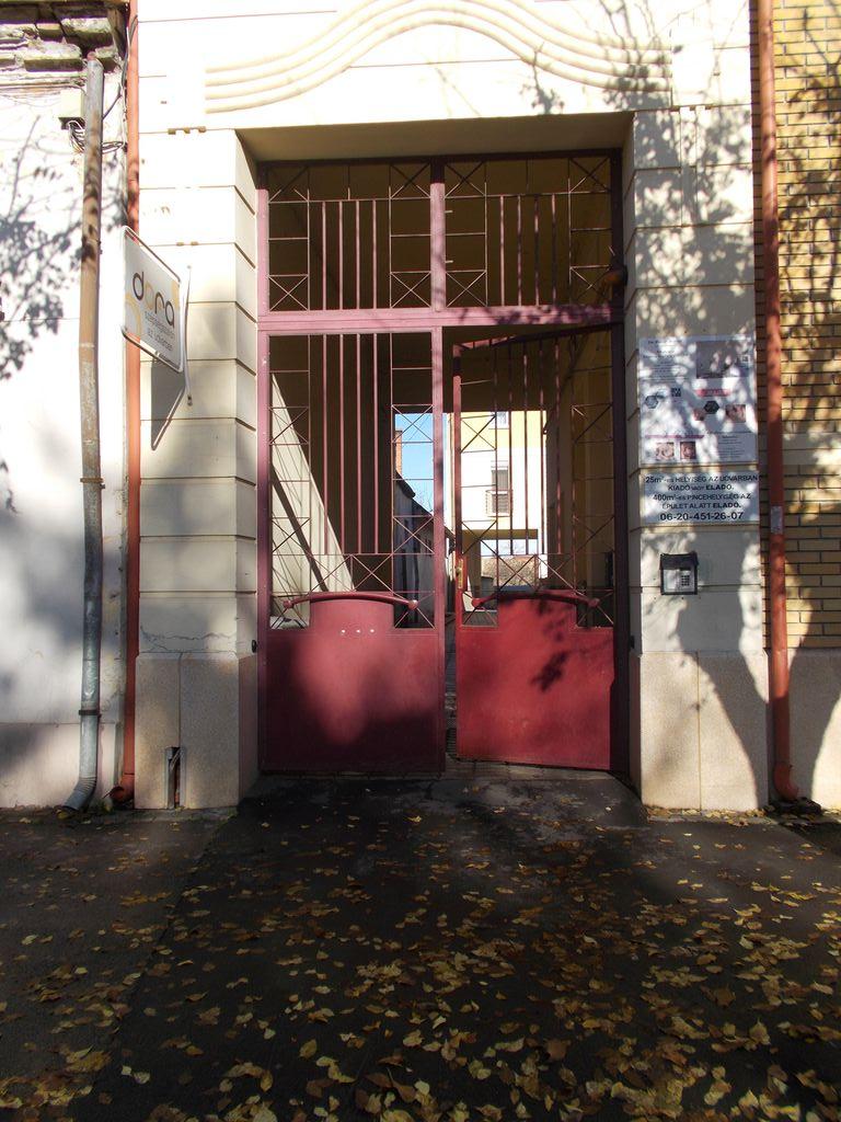 épület kapuk készítése